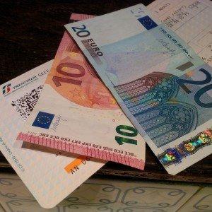 30 euro, un biglietto e un altro uomo